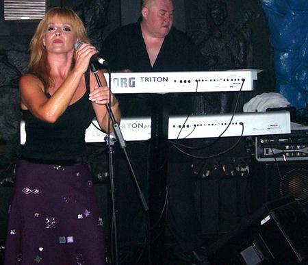 [ Toyah, live in Folkestone - 14th Sep 05 ]