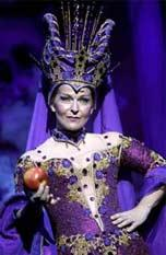 [ Toyah, as the Wicked Queen ]